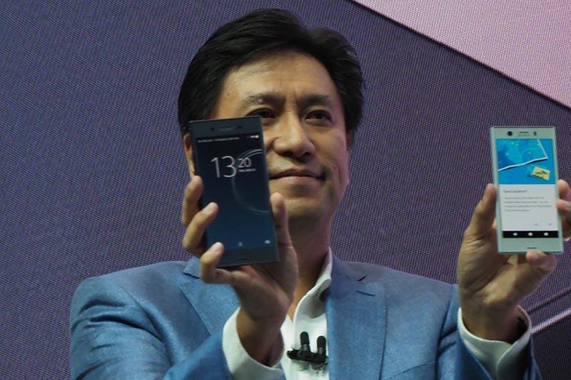 「Xperia XZ1」(左)と「Xperia XZ Compact」(右)