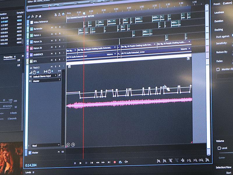 会話シーンなどにBGMを付ける際、音声レベルに合わせてBGM音量を自動的に調整