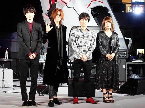 (左から)声優の内山昂輝さん、ギタリストのSUGIZOさん、作曲家の澤野弘之さん、歌手のTielleさん