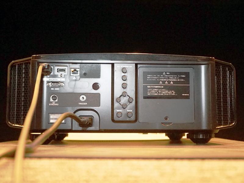 DLA-X990Rの背面