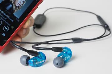 Shure初のBluetoothイヤフォンはどんな音? SE215 SPE/SE112 Wirelessを聴いた SE215 Special Edition Wireless