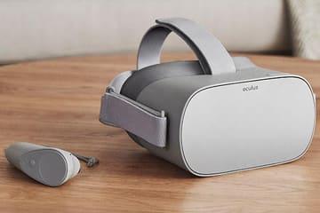 オールインワン型VRヘッドセット「Oculus Go」。スピーカー内蔵で199ドル Oculus Go本体とコントローラ