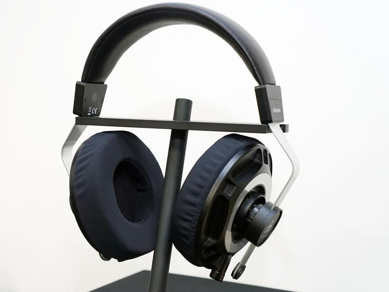 平面磁界型ヘッドフォン「D8000」