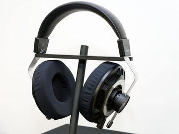 """空気の層を使う、finalの新平面磁界型ヘッドフォンはどんな音? """"伝説のエンジニア""""の助言で実現 平面磁界型ヘッドフォン「D8000」"""