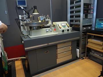 復活したソニーのレコード制作現場を見てきた。'70年代の機材と最新技術でどう作る? ソニーが導入したカッティングマシン