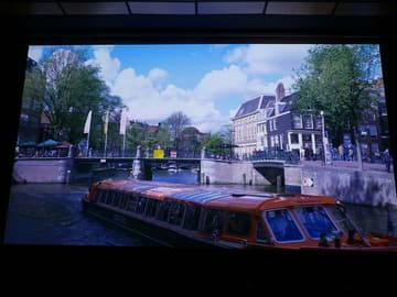 """MIPCOMにみる""""撮影は8K""""時代の到来。""""映画以外""""に広がるHDR ソニーの最新8KカメラUHC-8300で撮影されたアムステルダムの風景。まるで一眼レフカメラの静止画映像かのような情報量で街の奥行きを自然に感じられた"""