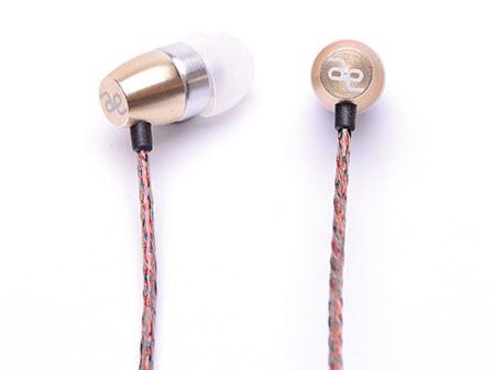 acoustic effectブランドのイヤフォン「TRY-01」、ブラス