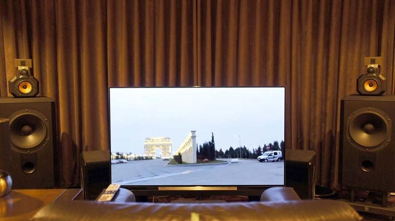 我が家の視聴室の様子。B&W Matrix801 S3と55X910を中心に。見た目はあまり大きく変わっていないが、見えない部分をあれこれといじっており、特に音は激変している