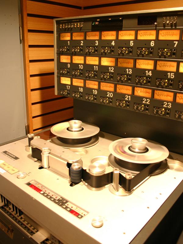 アナログテープレコーダでSTUDERの「A-800」