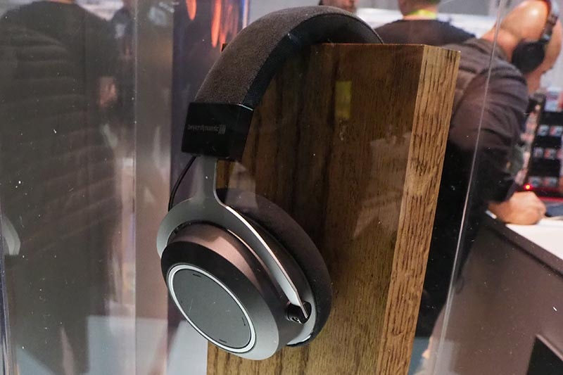 Bluetoothヘッドフォン「Aventho Wirelessや、イヤフォンのXELENTO Wirelessは、海外ではAmazon Alexaにも対応
