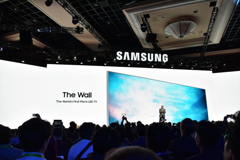 大々的に発表されたサムスンの「世界初のマイクロLEDテレビ」。「The Wall」はプロジェクト名でありブランド名でもあるという