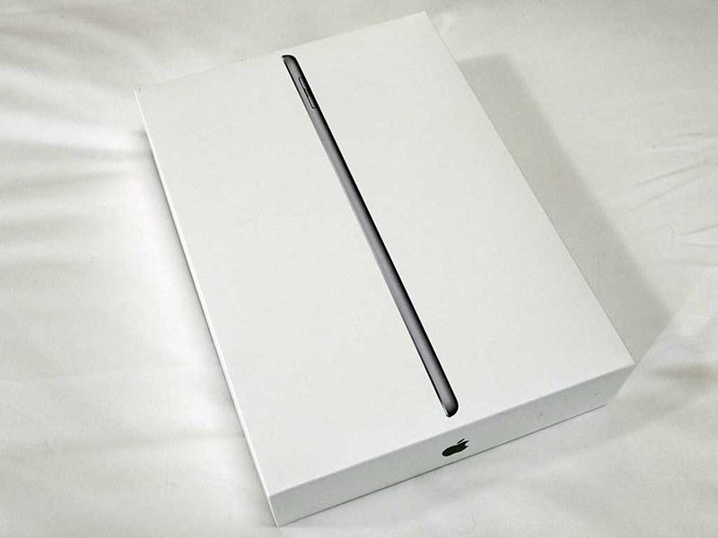iPadのパッケージ。この辺は大きな変化がない