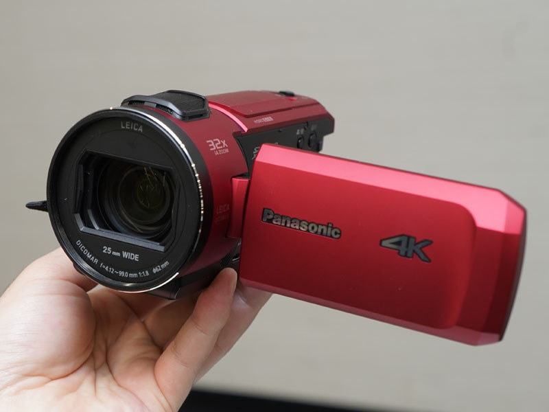 EVF、サブカメラを省いた「HC-VX1M」