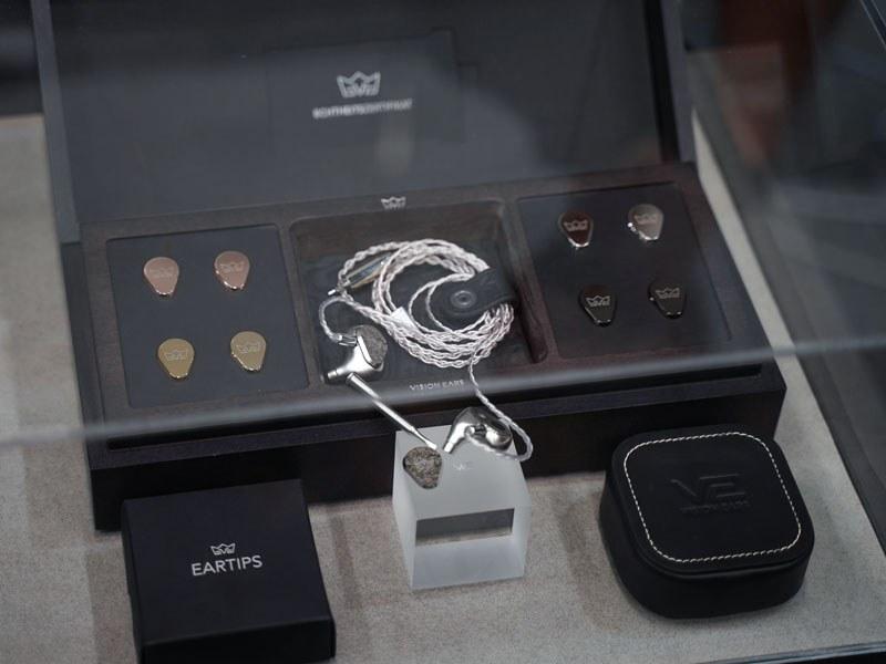 VISION EARS初のユニバーサルイヤフォン「ERLKoNIG」