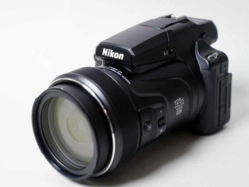 125倍ズームは、かつてビデオカメラの電子ズームで謳われたことはあるが、こちらは光学である