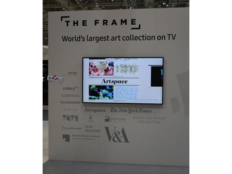 サムスンが昨年のIFAで発表した「フレームテレビ」、今年は世界的写真アーカイブ組織「マグナム」との独占提携でパワーアップ。映像コンテンツ以外を映すテレビのあり方を模索している