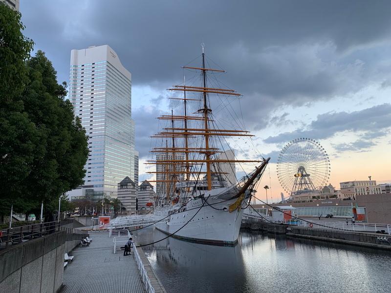iPhone XR。夕方が迫る横浜で撮影。色合いがかなり微妙なシーンだが、こちらも、XSとXRでの差異を見つけるのは困難だ