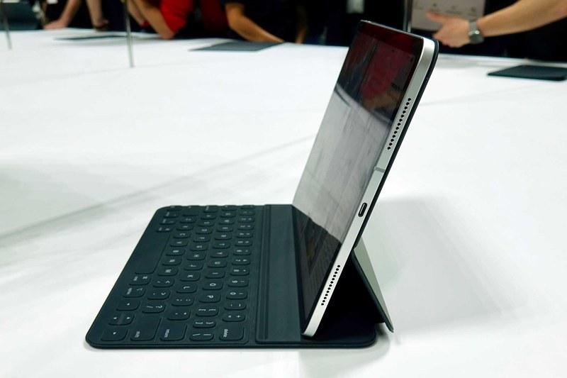 Smart Keyboard Folioはキーの傾きを2段階で調節可能に