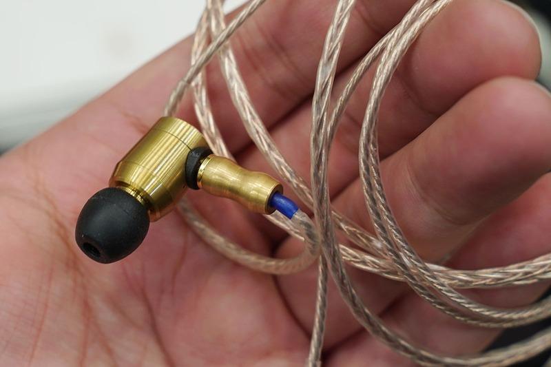 光城精工の真鍮筐体イヤフォン