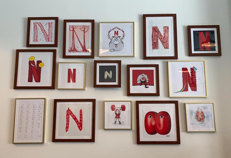 Netflix Animation Studioに掲げられたアート。アーティストが「N」のロゴをモチーフに、自由に描かれている。こうしたことも同社の「多様性」重視の表れだ