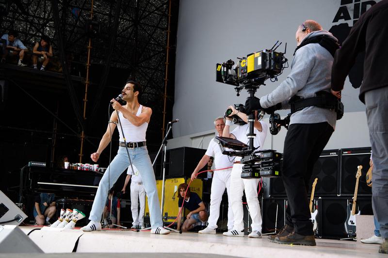 レミ・マレックがどのように役を作り上げたのか、その舞台裏に迫るドキュメンタリー「Becoming Freddie」(3分)