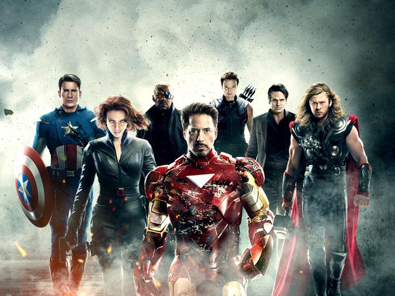 """アベンジャーズ<br /><span class=""""fnt-70"""">(C)2012 Marvel & Subs.</span>"""