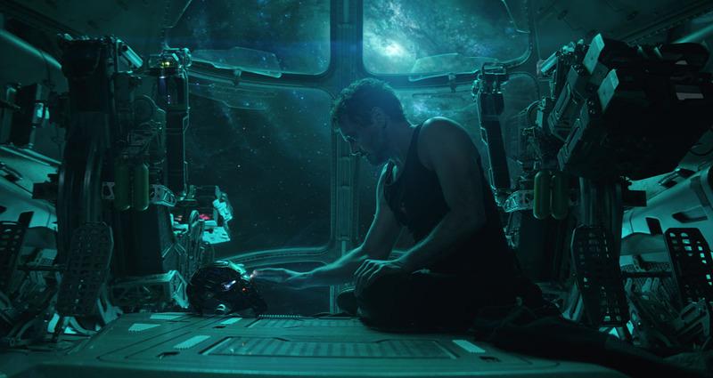 """アベンジャーズ/エンドゲーム<br><span class=""""fnt-70"""">監督:アンソニー&ジョー・ルッソ 配給:ウォルト・ディズニー・ジャパン<br>(C)Marvel Studios 2019</span>"""