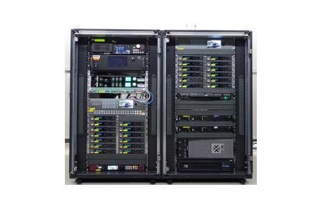 公開実験で使われる、8K/120Hz対応の映像符号化装置