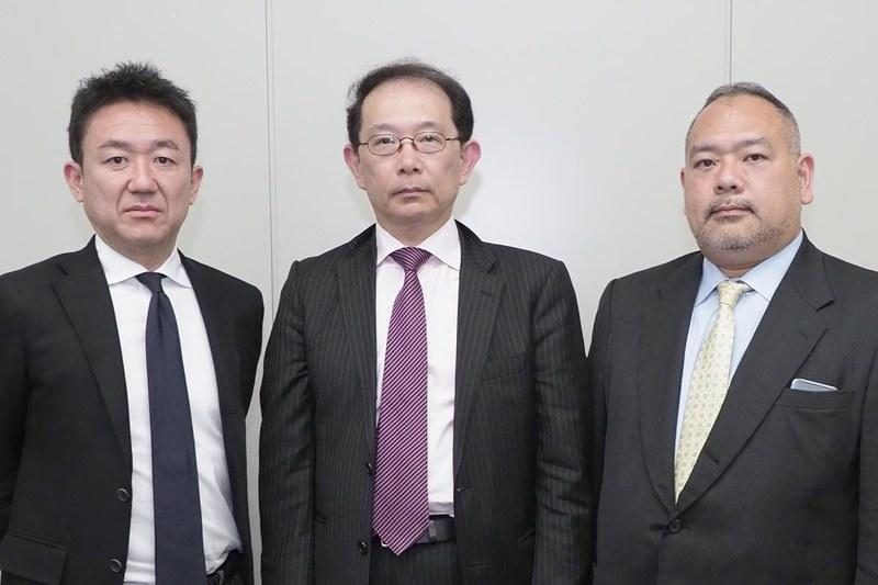 左から岡野恒氏、鳥井隆氏、城間弘光氏