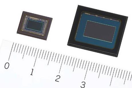 セキュリティカメラ向け4K解像度CMOSセンサー。左が1/2.8型の積層型「IMX415」、右が1/1.2型の裏面照射型「IMX485」