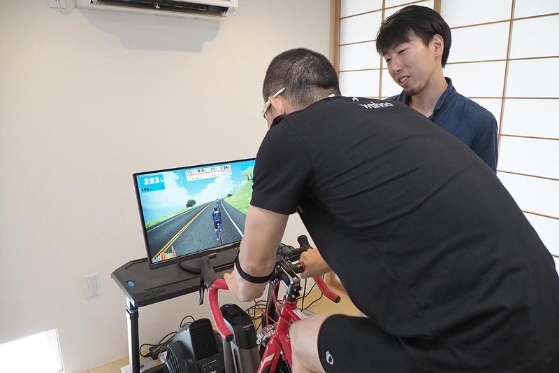 今回の企画に協力いただいたWahoo Fitness Japanの樋澤光紀さん(右)