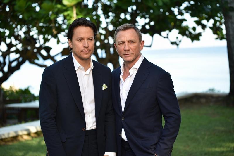 今年4月にジャマイカで開催されたローンチイベントに出席したキャリー・フクナガ(写真左)とダニエル・クレイグ(写真右)