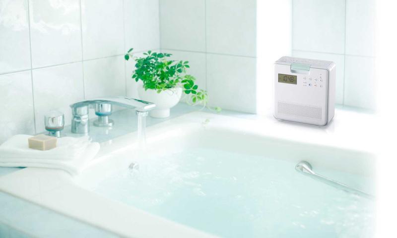 防水仕様のBluetooth搭載CDラジオ「TY-CB100」