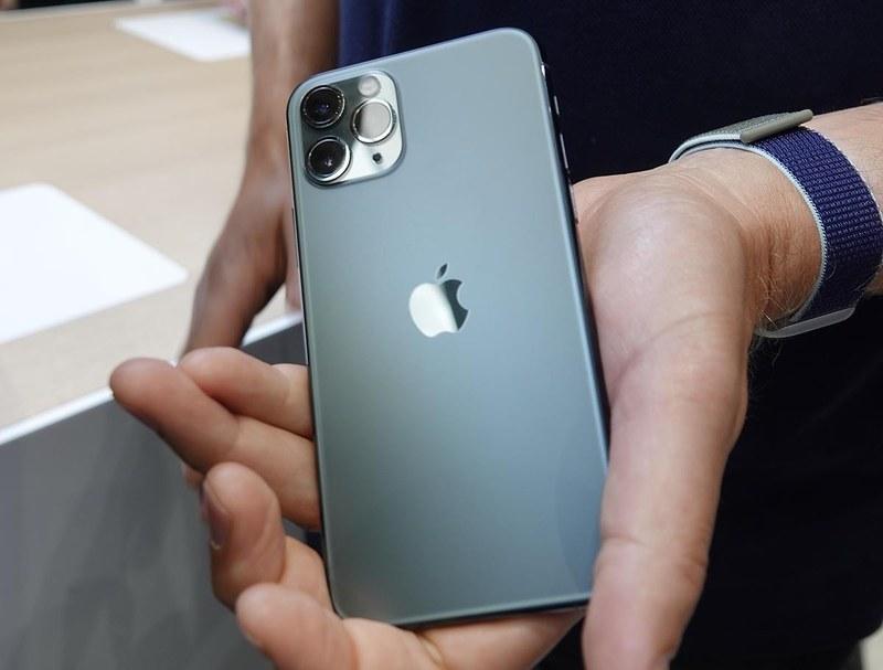 iPhone 11 Pro ミッドナイトグリーン