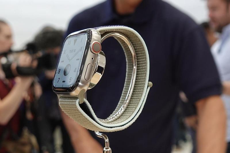 Apple Watch Series 5・チタニウム