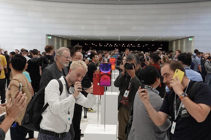 iPhone 11やiPhone 11 Pro/Pro Maxなどの新製品が披露された