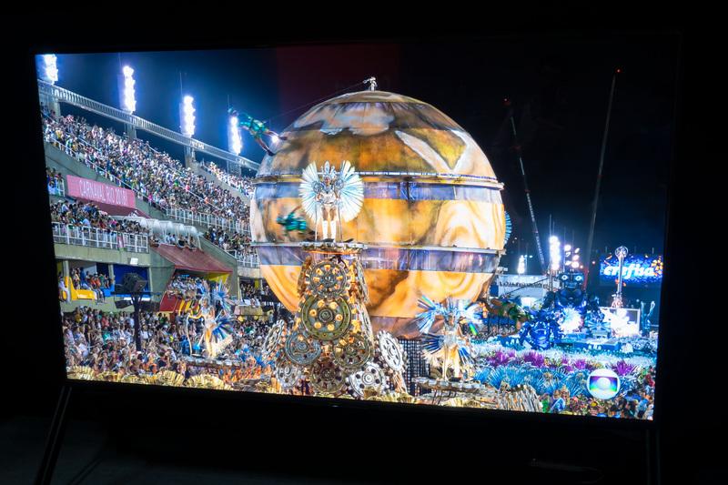 8Kレンダリングされた「グランツーリスモ」のプロモ映像や、3板式8Kカメラ「UHC-8300」で撮影したリオのカーニバルなどを表示