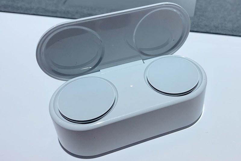ケースに入れて充電する、完全ワイヤレス型としては一般的なスタイル。本体だけで8時間、ケース込みで24時間と、完全ワイヤレス型としては動作時間が長い