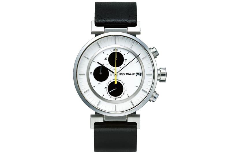 wena wrist leather Chronograph set White-ISSEY MIYAKE Edition。2本のバンド外観は共通