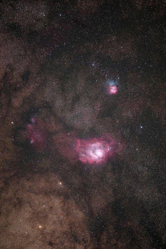 干潟星雲(下)、三裂星雲(上)