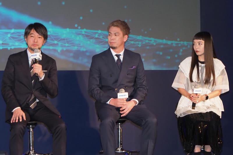 左から、枝川義邦教授、前田健太選手、市川渚氏