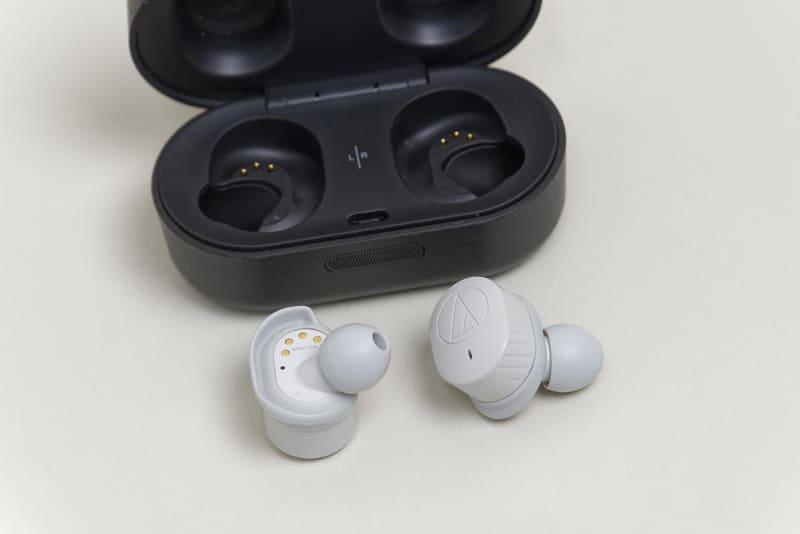 今回、試したイヤフォンはオーディオテクニカの完全ワイヤレス「ATH-SPORT7TW」。IPX5準拠の防水性能をもつスポーツ向けモデルだ