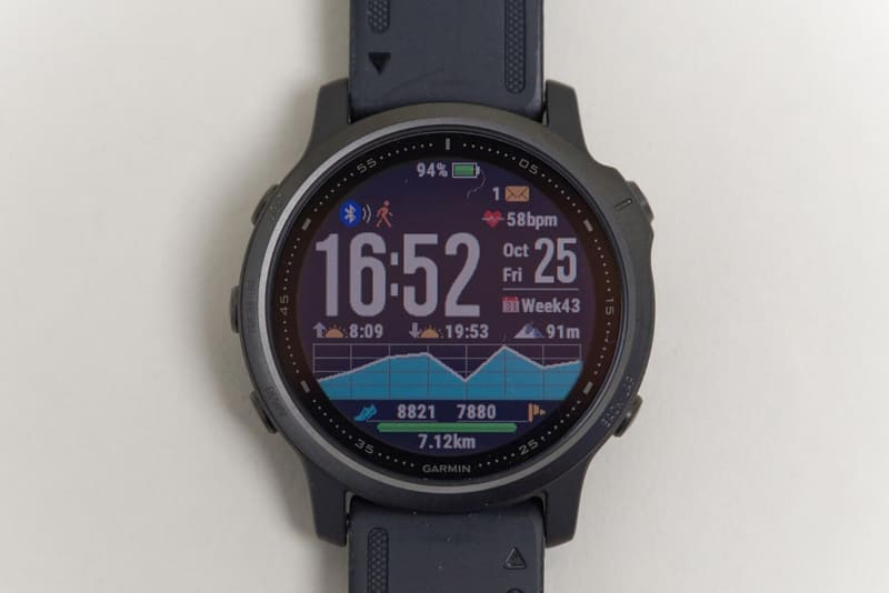 他にも紹介したいポイントはたくさんある。こちらは「Watch Face」機能。スマートウォッチによくある、豊富に用意された盤面デザインから選べる機能だ