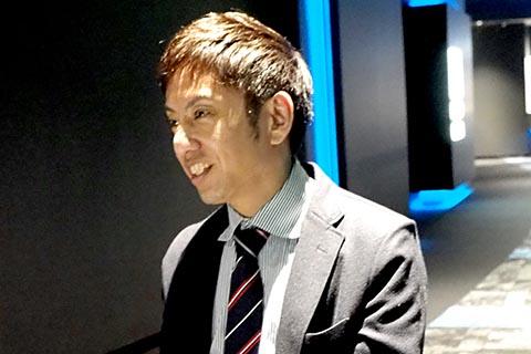 岡本敏幸氏