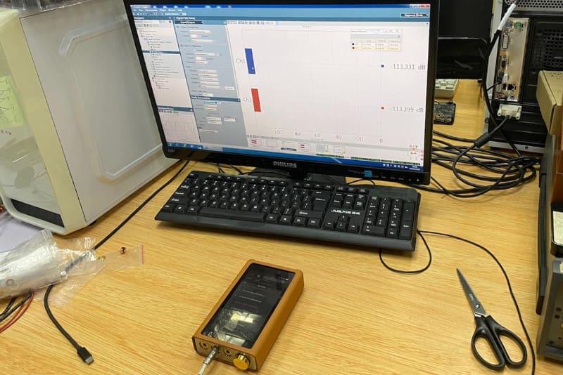 DX 220MAX(開発途上版)のTHD+N特性を測定。まだまだ納得いかないらしい