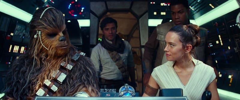 """シリーズ完結編「スター・ウォーズ/スカイウォーカーの夜明け」は12月20日全国公開<br><span class=""""fnt-70"""">(C)2019 and TM Lucasfilm Ltd. All Rights Reserved.</span>"""