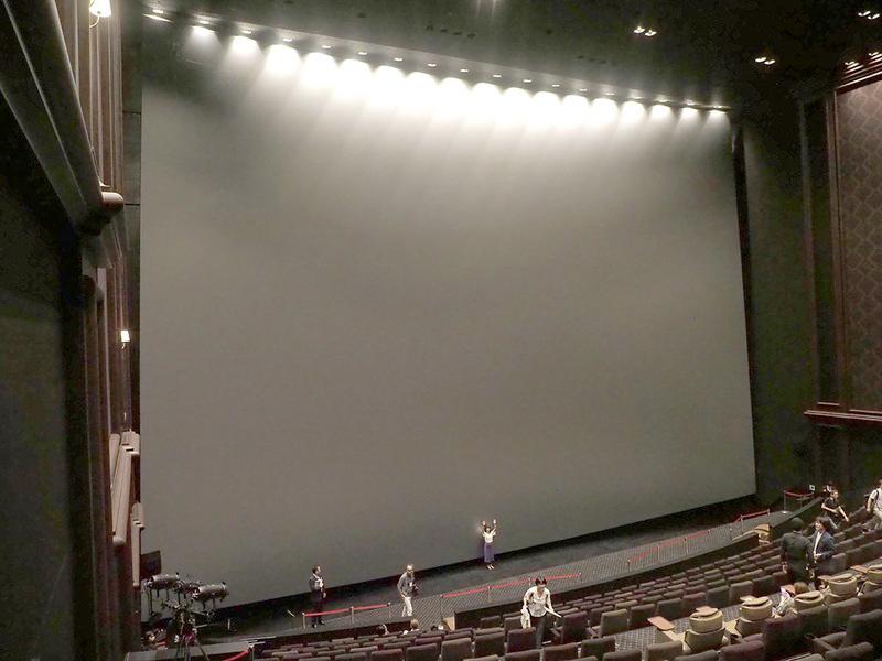 グランドシネマサンシャインのIMAXレーザー/GTテクノロジーを採用するシアター12。日本最大のスクリーンサイズ