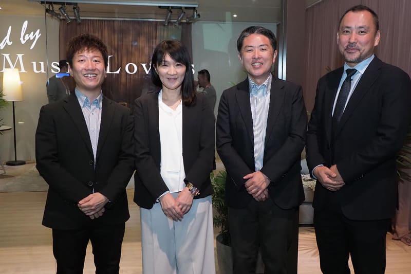 取材に応じてくれた、ソニーホームエンタテインメント&サウンドプロダクツの担当者。左から、河合哲郎氏、岡田知佳子氏、岡崎真治氏、佐々木信氏