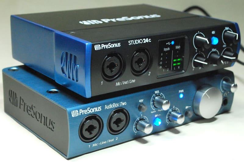 AudioBox iTwo(下)と比較
