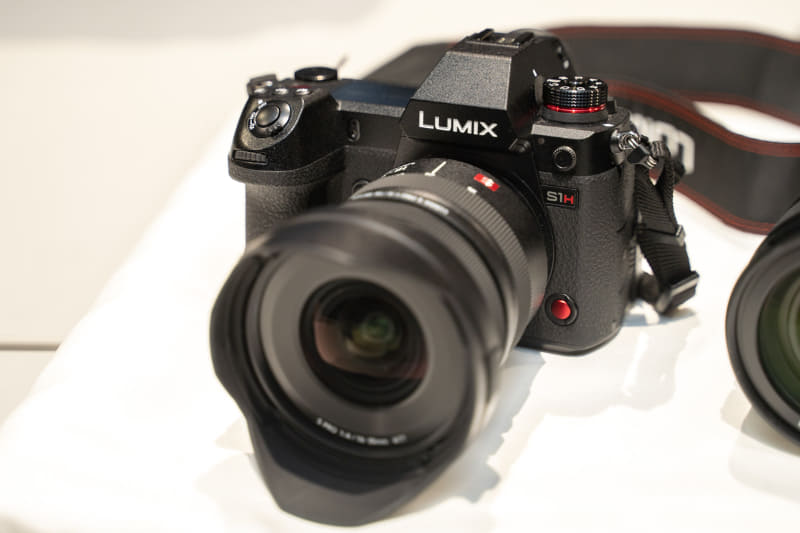 「LUMIX DC-S1H」